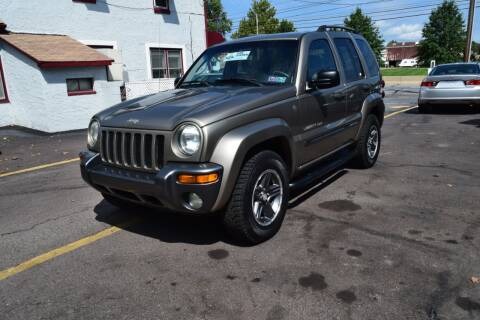2004 Jeep Liberty for sale at L&J AUTO SALES in Birdsboro PA