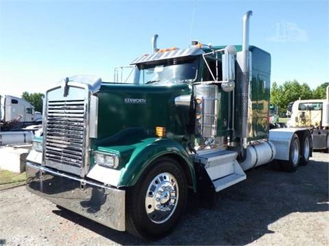 2002 Kenworth W900L for sale in Pharr, TX