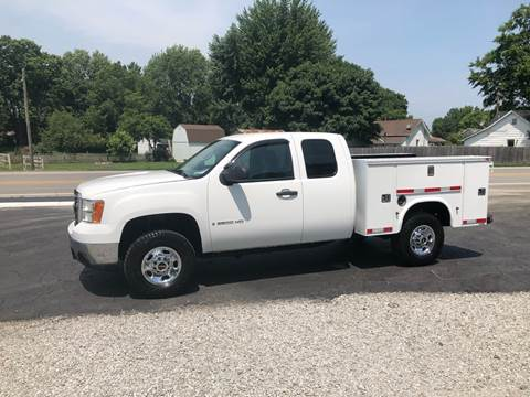2009 GMC Sierra 2500HD for sale at MOES AUTO SALES in Spiceland IN