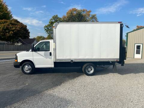 2009 Chevrolet Express Cutaway for sale at MOES AUTO SALES in Spiceland IN