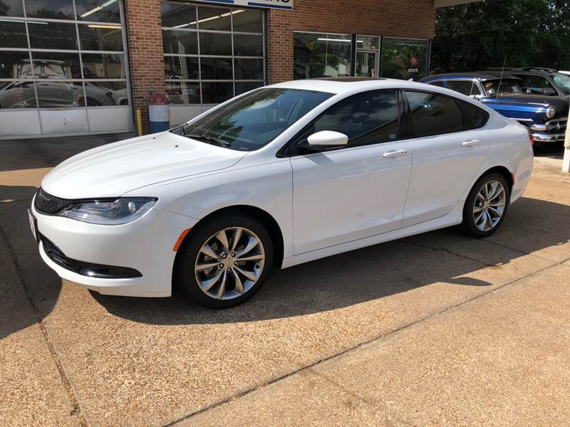 2016 Chrysler 200 S In Union MO - County Seat Motors West