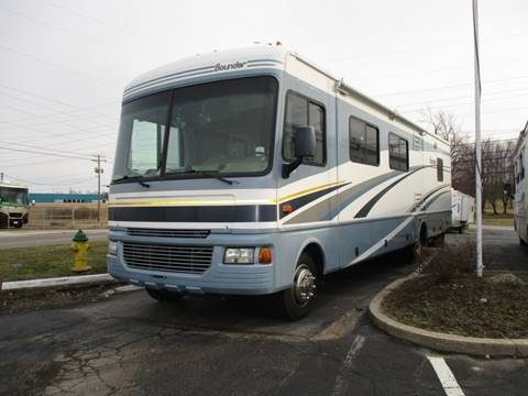 2005 Fleetwood Bounder for sale in Ravenna, OH