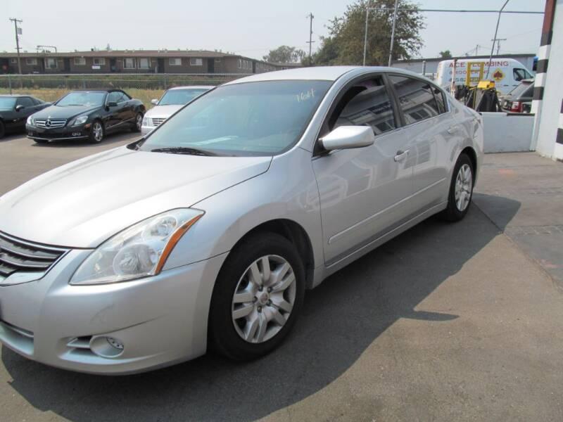 2011 Nissan Altima for sale at Dealer Finance Auto Center LLC in Sacramento CA