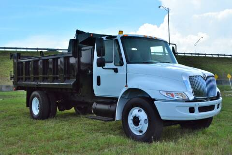 2002 International DuraStar 4300 for sale at American Trucks and Equipment in Hollywood FL