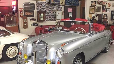 1959 Mercedes-Benz 220 SE for sale at Berliner Classic Motorcars Inc in Dania Beach FL