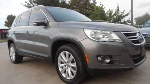 2009 Volkswagen Tiguan for sale in Houston, TX