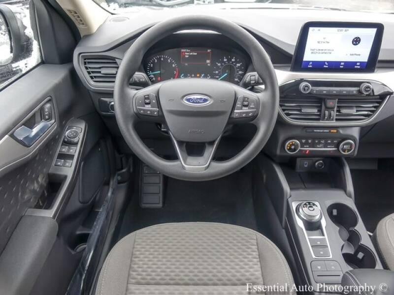 2020 Ford Escape SE (image 12)