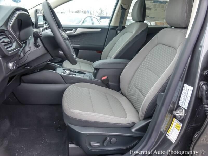 2020 Ford Escape SE (image 9)