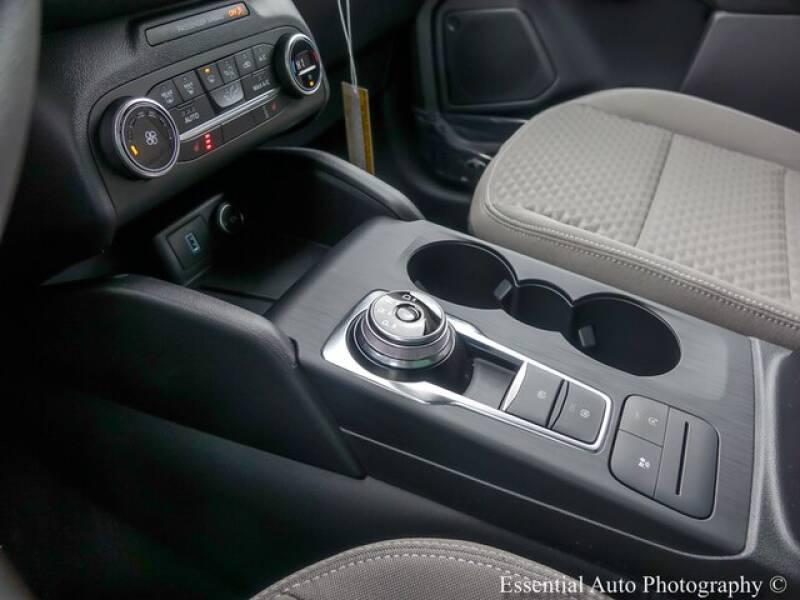 2020 Ford Escape SE (image 15)