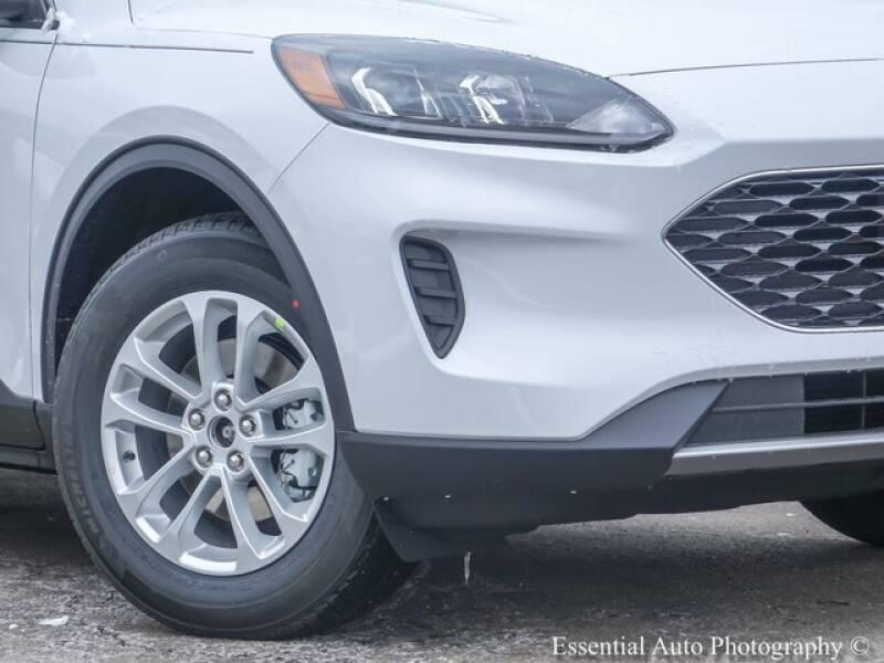 2020 Ford Escape SE (image 3)