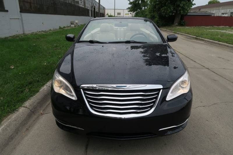 2012 Chrysler 200 Convertible for sale at Dymix Used Autos & Luxury Cars Inc in Detroit MI