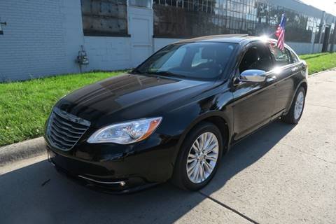 2011 Chrysler 200 for sale at Dymix Used Autos & Luxury Cars Inc in Detroit MI
