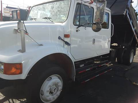 2000 International 4700 for sale in Fall River, MA