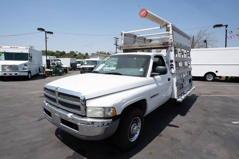2002 Dodge Ram Pickup 2500 for sale at Paraiso Motors Inc. in South Gate CA