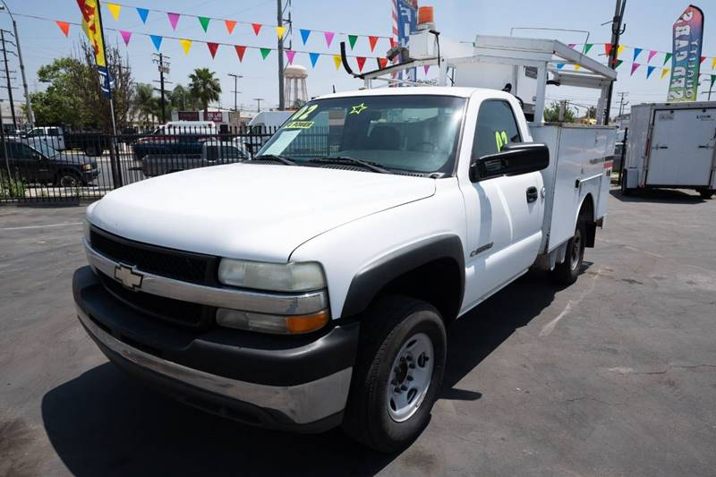 2002 Chevrolet Silverado 2500HD for sale at Paraiso Motors Inc. in South Gate CA