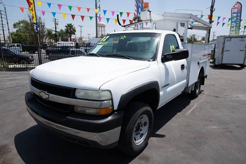 2002 Chevrolet Silverado 2500HD for sale at Paraiso Motors Inc. in South Gate CA