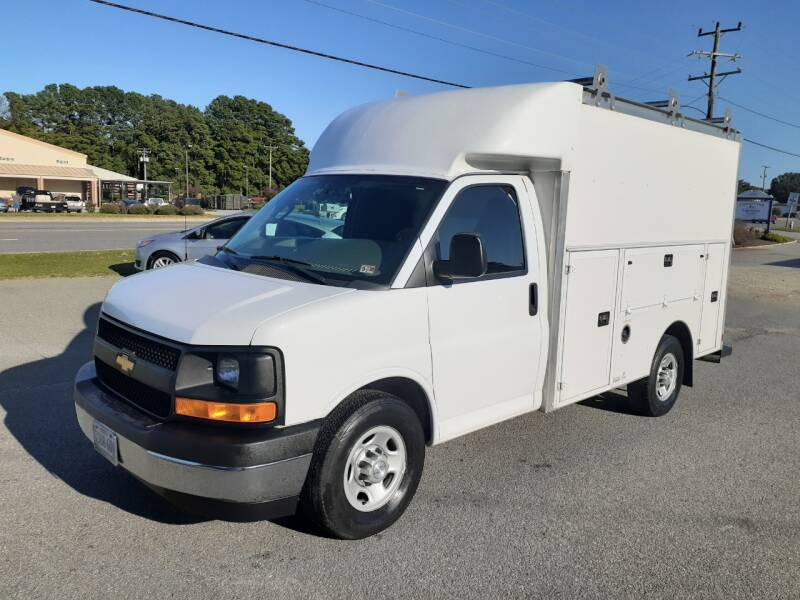 2017 Chevrolet Express Cutaway for sale at USA 1 Autos in Smithfield VA