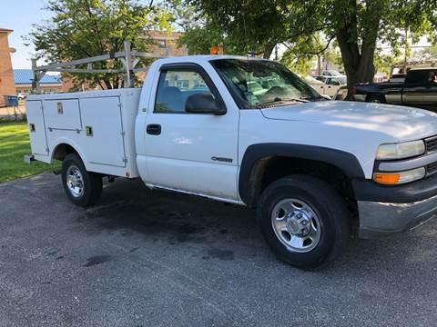 2001 Chevrolet Silverado 2500HD for sale at Midland Commercial. Chicago Cargo Vans & Truck in Bridgeview IL