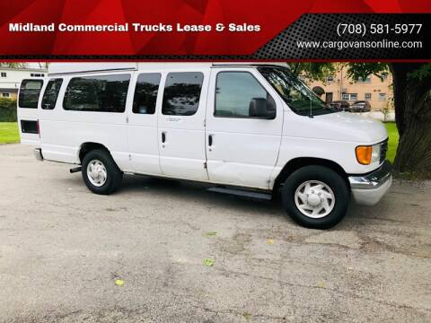 2004 Ford E-Series Wagon for sale at Midland Commercial. Chicago Cargo Vans & Truck in Bridgeview IL