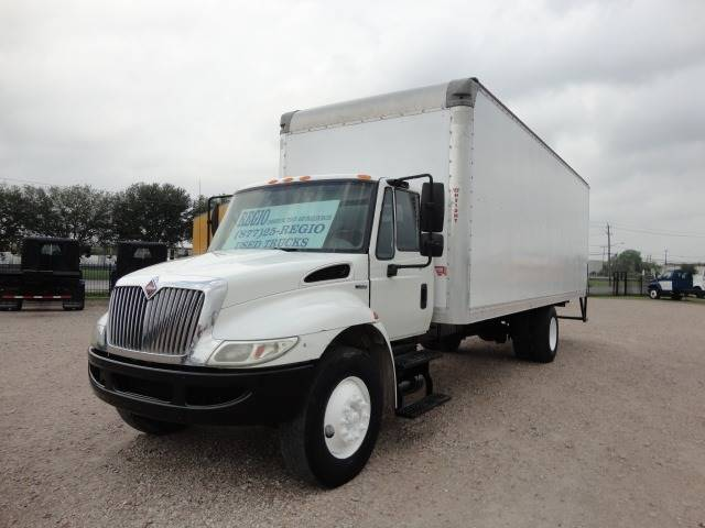 2011 International DuraStar 4300 (image 1)