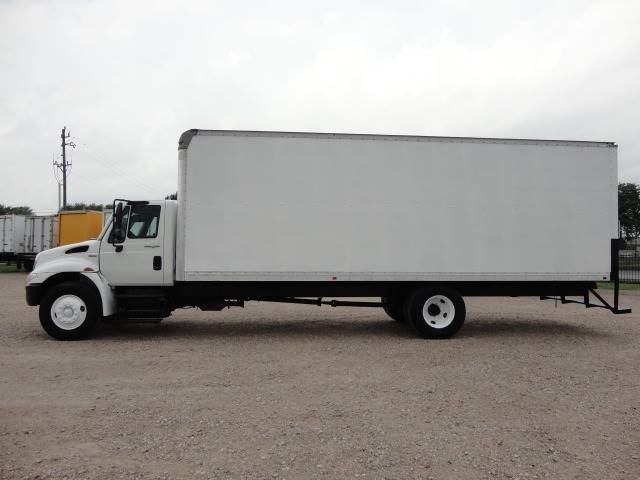 2011 International DuraStar 4300 (image 4)