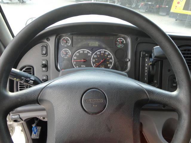 2012 Freightliner Business class M2 (image 16)