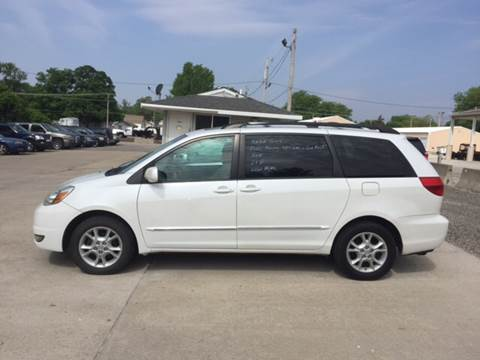 2004 Toyota Sienna for sale at 6th Street Auto Sales in Marshalltown IA