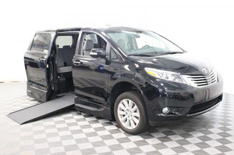 2017 Toyota Sienna for sale in Pearland, TX