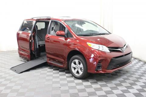 2018 Toyota Sienna for sale in Pearland, TX