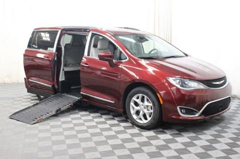2017 Chrysler Pacifica for sale in Pearland, TX
