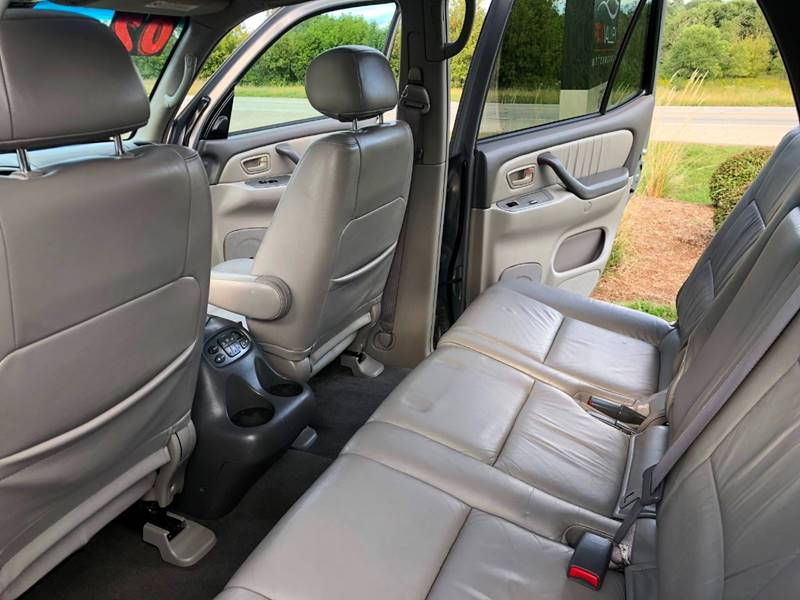 2002 Toyota Sequoia Limited 4WD 4dr SUV - Lake In The Hills IL