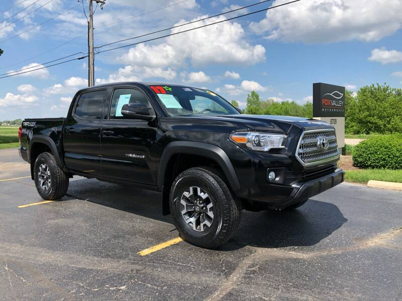 2017 Toyota Tacoma 4x4 TRD Off-Road 4dr Double Cab 5.0 ft SB 6A - Lake In The Hills IL