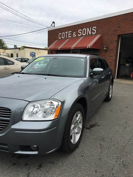 2007 Dodge Magnum for sale at Cote & Sons Automotive Ctr in Lawrence MA