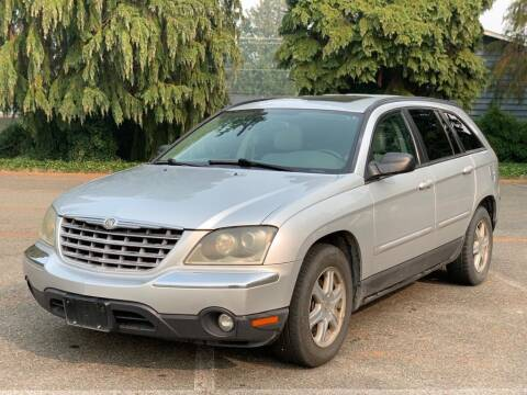 2004 Chrysler Pacifica for sale at Q Motors in Lakewood WA