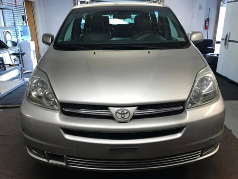 2004 Toyota Sienna for sale at Techno Motors in Danbury CT