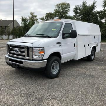 2019 Ford E-Series Chassis for sale in Bay Shore, NY