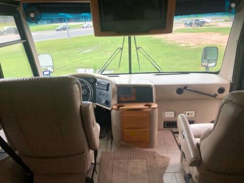 2004 Freightliner XC Chassis
