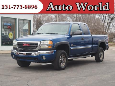 2004 GMC Sierra 2500HD for sale in Muskegon, MI