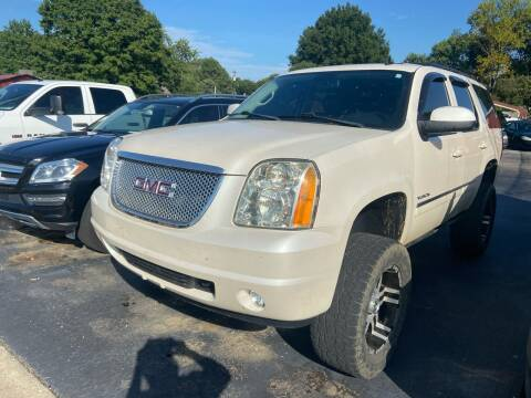 2011 GMC Yukon for sale at Sartins Auto Sales in Dyersburg TN