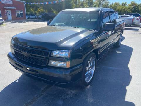 2004 Chevrolet Silverado 1500 for sale at Sartins Auto Sales in Dyersburg TN