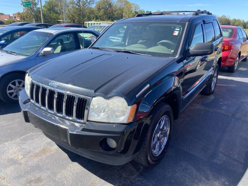 2005 Jeep Grand Cherokee for sale at Sartins Auto Sales in Dyersburg TN
