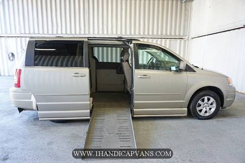 2008 Chrysler Town and Country for sale in Brentwood, NH
