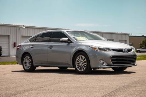 2015 Toyota Avalon Hybrid for sale at Exquisite Auto in Sarasota FL