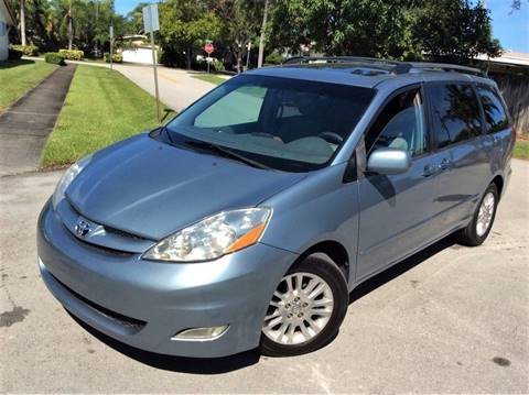 2007 Toyota Sienna for sale in Hollywood, FL