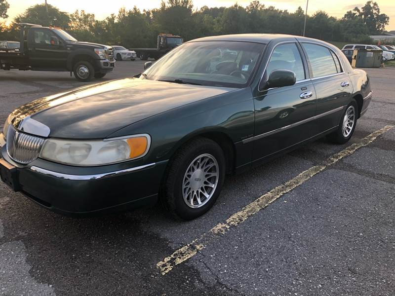 2000 Lincoln Town Car Signature In Springfield Tn Highway 41