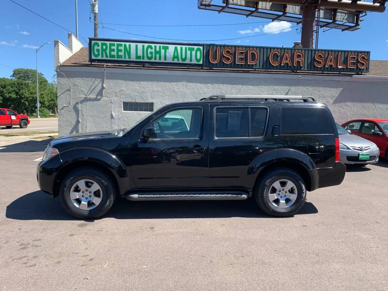 2009 Nissan Pathfinder for sale at Green Light Auto in Sioux Falls SD
