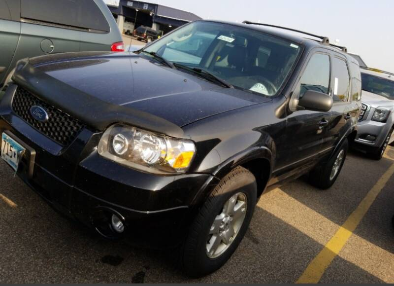 2007 Ford Escape for sale at Green Light Auto in Sioux Falls SD