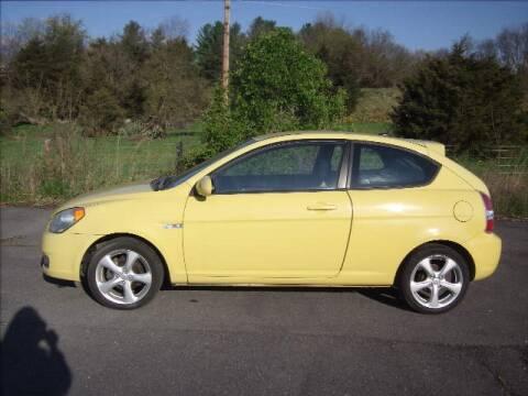 2009 Hyundai Accent SE for sale at Broadway Motors LLC in Broadway VA