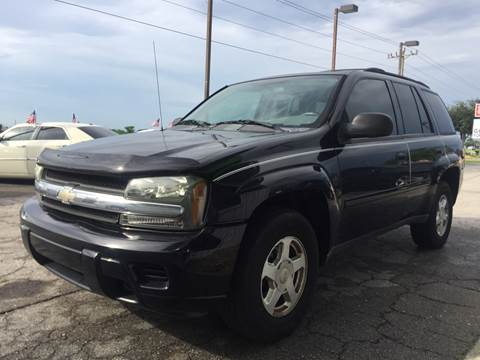 2006 Chevrolet TrailBlazer for sale at EXECUTIVE CAR SALES LLC in North Fort Myers FL