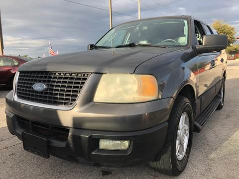 2004 Ford Expedition for sale at EXECUTIVE CAR SALES LLC in North Fort Myers FL